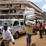 09_05_Kampala_carrying_2